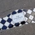 Nid de poule street-art